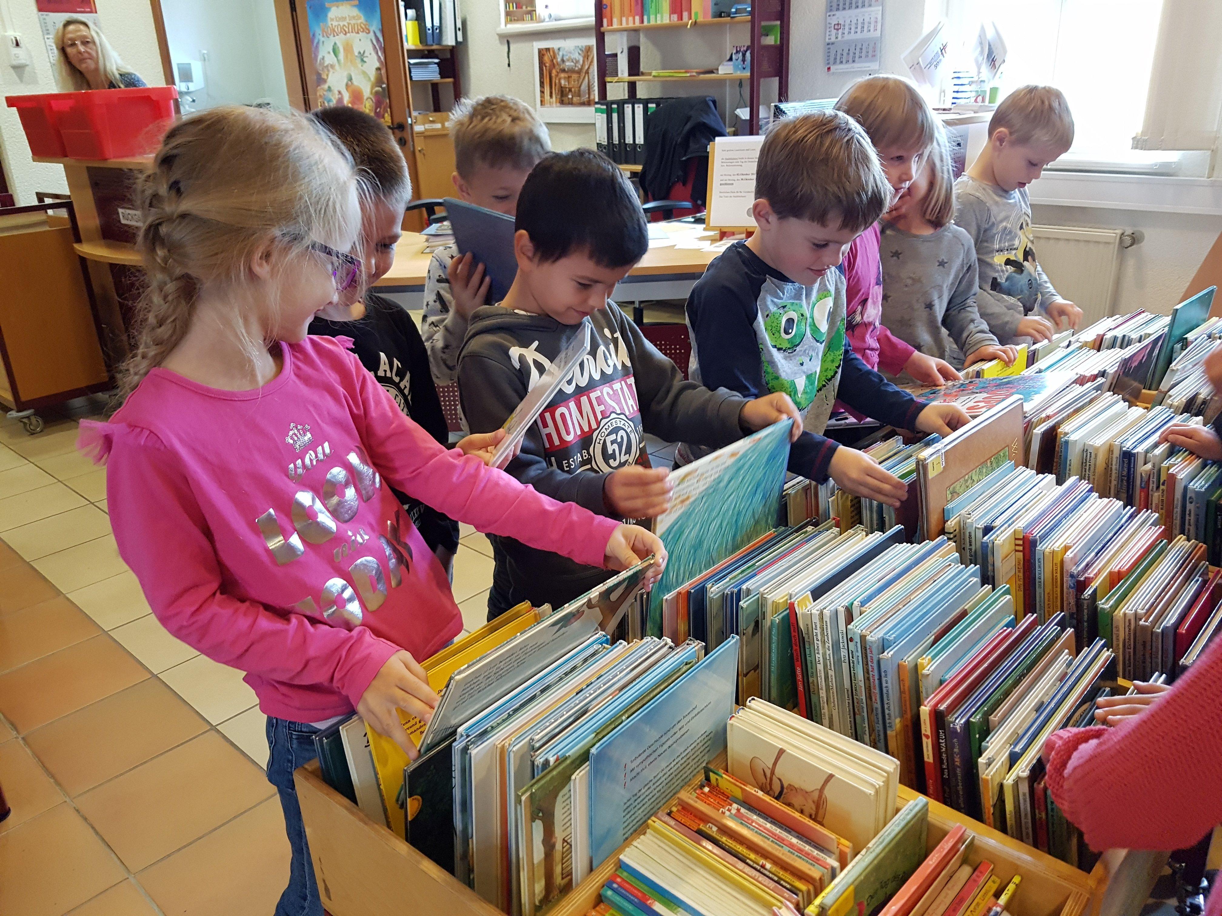 Vorschulkinder zu Besuch in der Stadtbücherei
