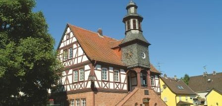 Rathaus Froschhausen.jpg